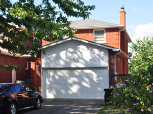 Room / Shared apartment for rent in Brampton