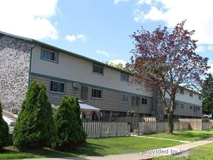 Lakeshore Rd Bradmon Dr St Catharines On 3 Bedroom For Rent St Catharines Apartments
