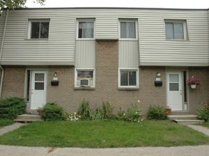 17 Old Pine Trail St Catharines On 2 Bedroom For Rent St Catharines Apartments