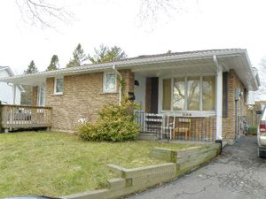 Room / Shared apartment for rent in OSHAWA