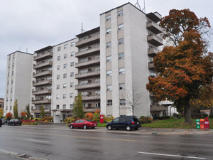 345 Lakeshore Rd W Mississauga On 2 Bedroom For Rent